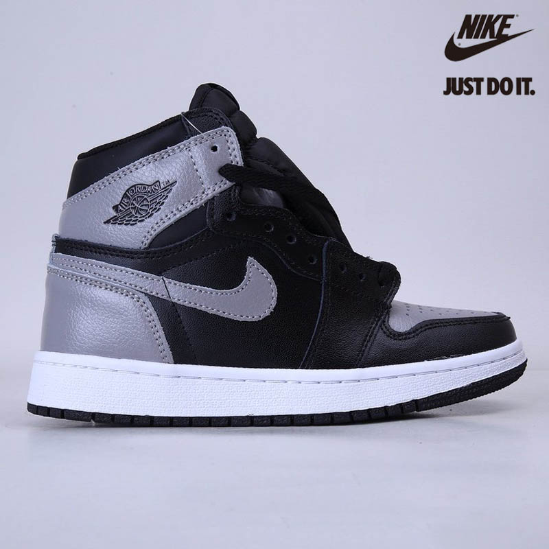 Nike Air Jordan 1 Retro High OG Nike Air Jordan 1 Retro High OG - 555088-014
