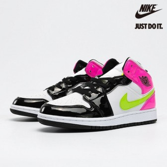 Air Jordan 1 Mid 'CYBER ACTIVE FUCHSIA' White Black Cyber Pink